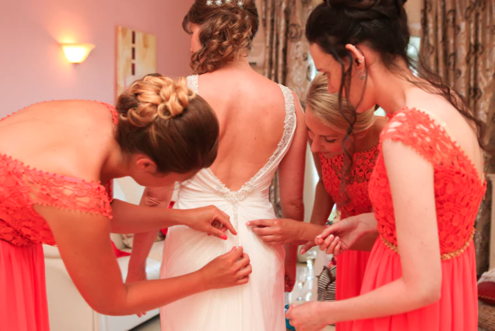 "Creative Ways to Ask, ""Will You Be My Bridesmaid?"""