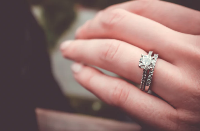 The 20 Most Beautiful Vintage Engagement Rings Over $20,000