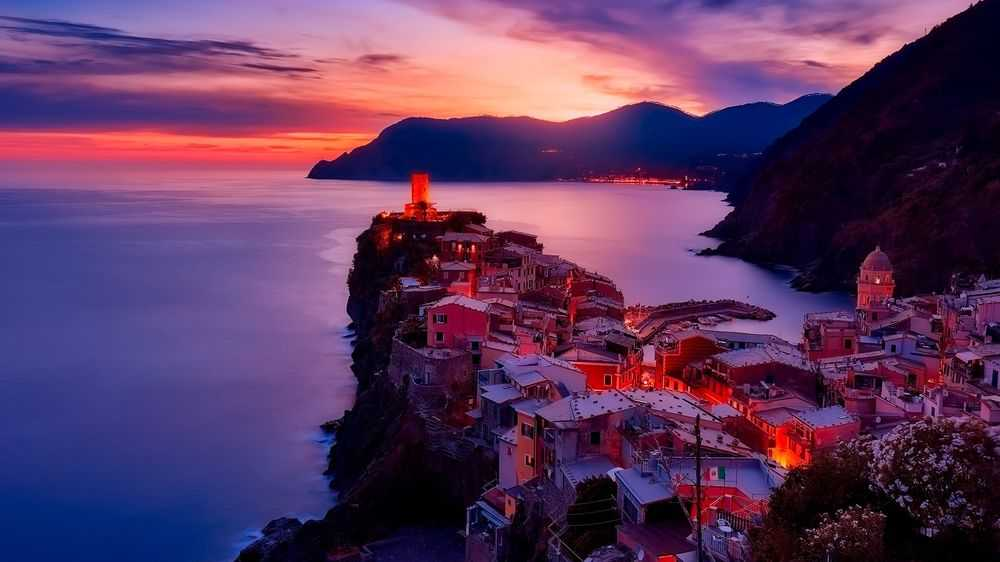 purple sea sunset in Italy