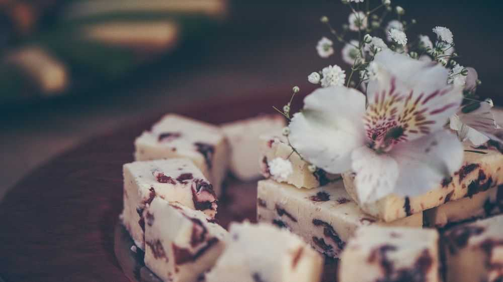 Wedding Candy Bars Decorated with Flower