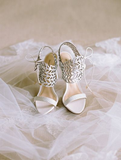 Cream Sandals With Leaf Décor