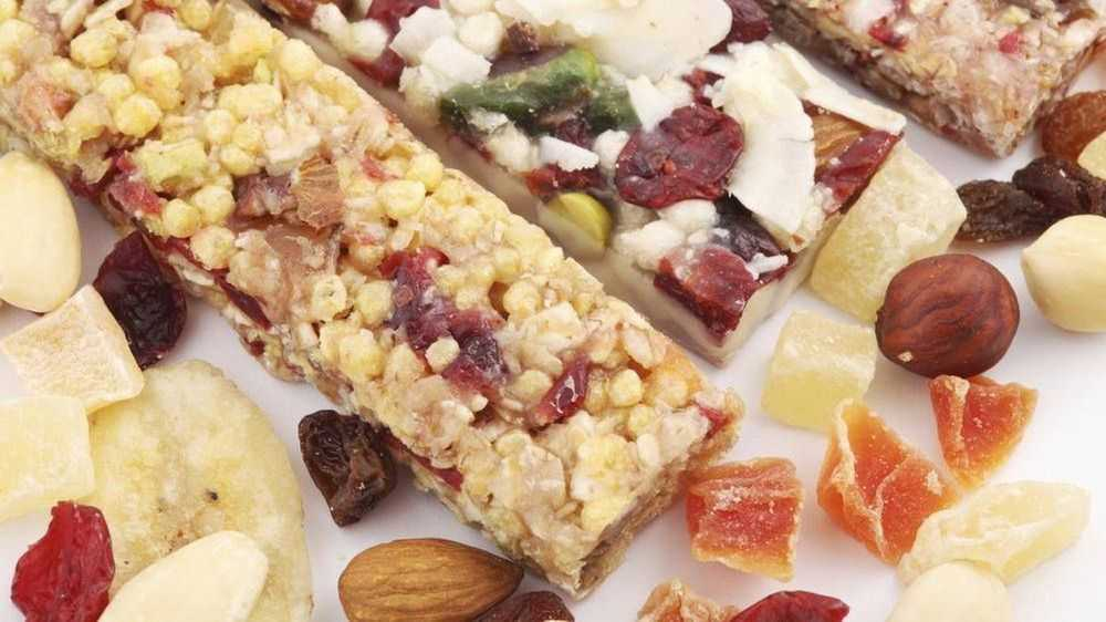 Oatmeal Bars with Dried Fruits and Nuts