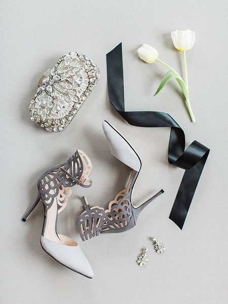 The Grey and White Heel