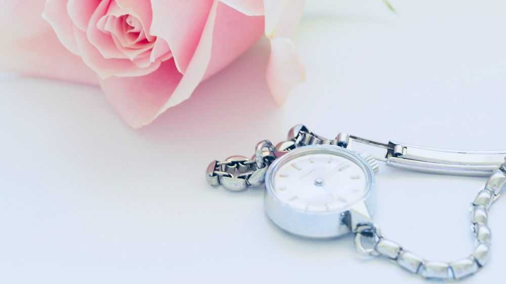 Women's Watch And Pink Rose