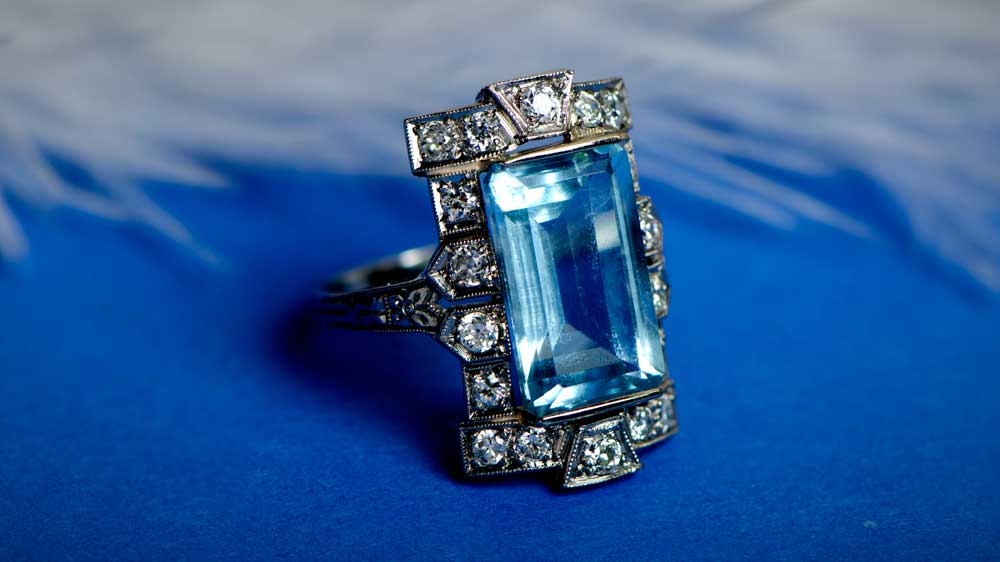 Antique Aquamarine Ring in Platinum Mounting
