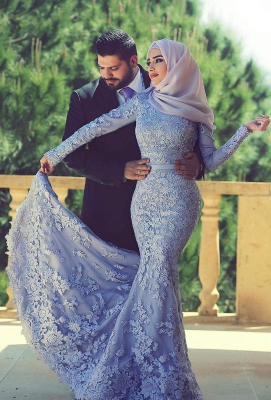 Muslim bride in mermaid long sleeve, blue, lace dress