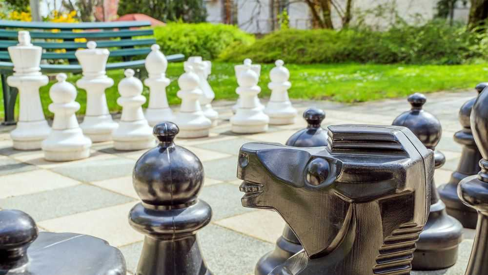 lawn giant chess
