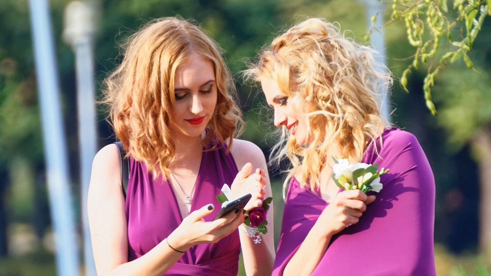 Bridesmaids talking